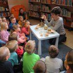 """Wrześniowe lekcje biblioteczne w Filii """"Gołąbki"""""""